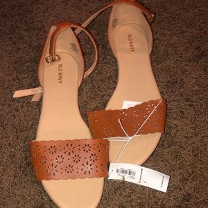 New With Tag Old Navy Sandal 8